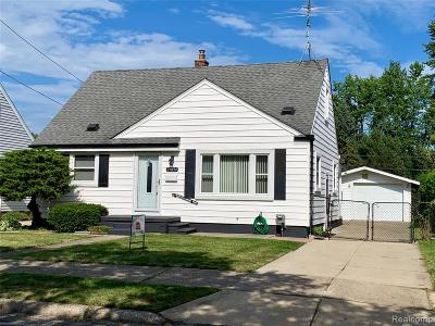 Warren, Eastpointe, Roseville, St Clair Shores, Clinton Township, Harrison Twp Single Family Home For Sale: 25894 Waldorf Street
