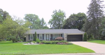 Bloomfield Twp Single Family Home For Sale: 2581 Yorkshire Lane