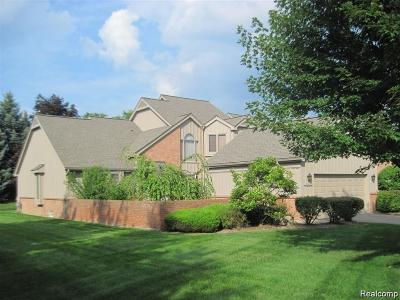 Farmington Hills Condo/Townhouse For Sale: 37846 Siena Drive