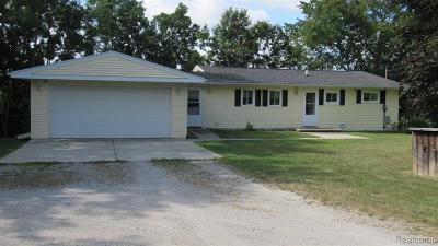 Single Family Home For Sale: 9092 Ridge Road
