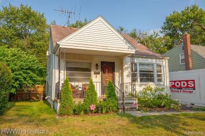 Royal Oak Single Family Home For Sale: 1209 Wyandotte Avenue