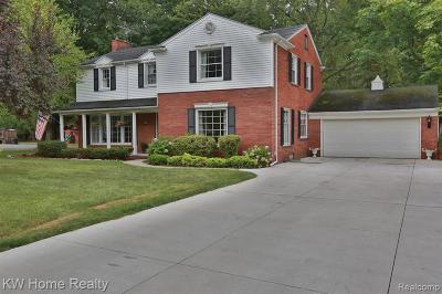 Grosse Ile Twp Single Family Home For Sale: 9973 Island Drive