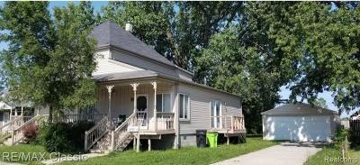 St Clair Shores, Roseville, Fraser, Harrison Twp Single Family Home For Sale: 25390 Pinehurst Street