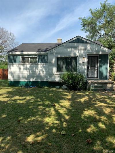 Detroit Single Family Home For Sale: 1460 Deacon