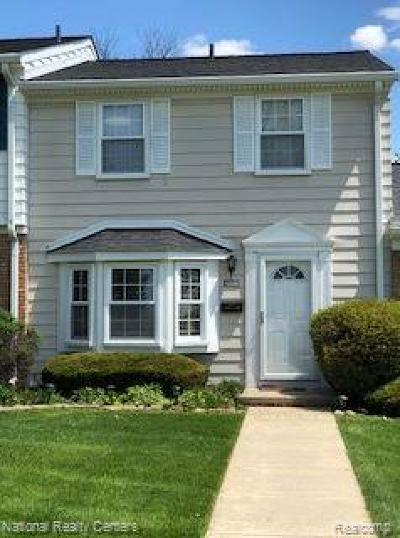 Northville Condo/Townhouse For Sale: 42904 Pond Court #15