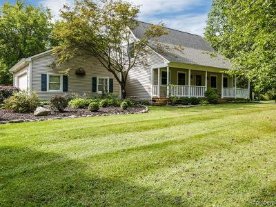 Hartland Twp Single Family Home For Sale: 10230 Cook Road