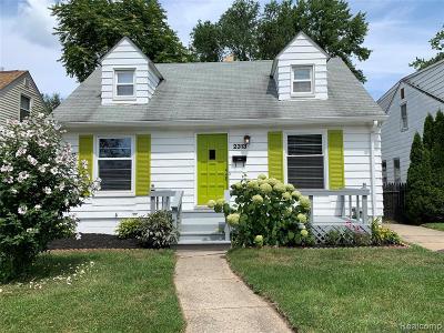 Ferndale Single Family Home For Sale: 2313 Garfield Street
