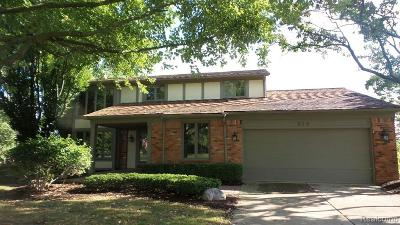 Rochester Hills Single Family Home For Sale: 618 Heritage Lane