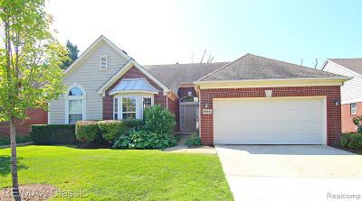 Novi Condo/Townhouse For Sale: 40841 Lenox Park Drive
