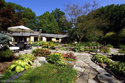 Bloomfield Twp Single Family Home For Sale: 875 Harsdale Road