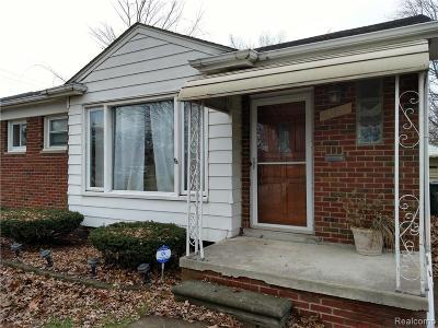 Clinton Twp, Harrison Twp, Roseville, St. Clair Shores Single Family Home For Sale: 21611 Mauer