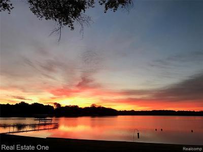 Single Family Home For Sale: 10808 Bob White Beach Boulevard