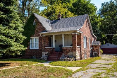 Ferndale Single Family Home For Sale: 210 Saint Louis Street