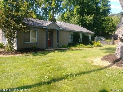 West Bloomfield Twp Single Family Home For Sale: 7375 Richardson Road