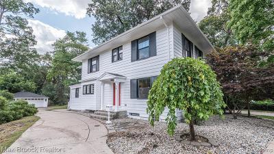 Pleasant Ridge Single Family Home For Sale: 19 Norwich Road