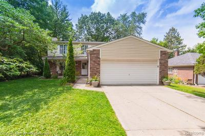 Birmingham, Bloomfield Hills Single Family Home For Sale: 2388 Mulberry Rd
