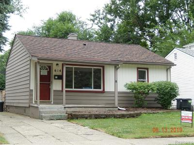 Madison Heights Single Family Home For Sale: 614 E Dallas Avenue