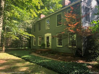 Salem Twp MI Single Family Home For Sale: $460,000