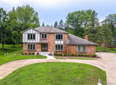 Rochester, Rochester Hills, Oakland Twp, Lake Orion Vlg, Clarkston, Orion Twp, Ortonville, Ortonville Vlg, Brandon Twp, Independence Twp Single Family Home For Sale: 440 Abbey Wood Court
