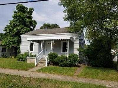 Livonia Single Family Home For Sale: 19326 Farmington Road