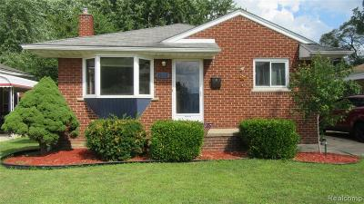 St. Clair Shores, Harrison Twp, Roseville, Clinton Twp Single Family Home For Sale: 28112 Shock Street