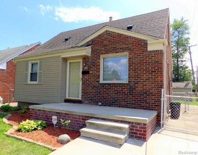 Lincoln Park Single Family Home For Sale: 1871 Regina Avenue