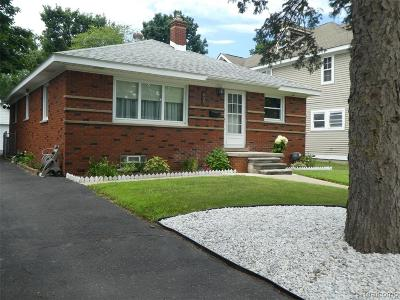 Plymouth MI Single Family Home For Sale: $255,000