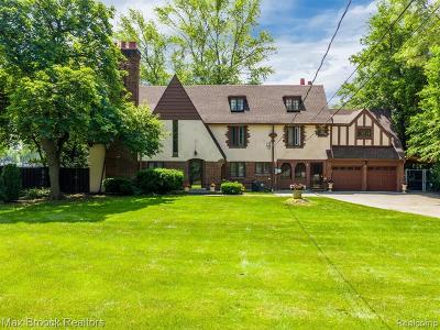 Detroit Single Family Home For Sale: 2751 W 7 Mile Road