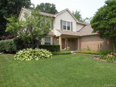 Garden City, Plymouth, Canton Twp, Livonia Single Family Home For Sale: 6914 Foxcreek Court