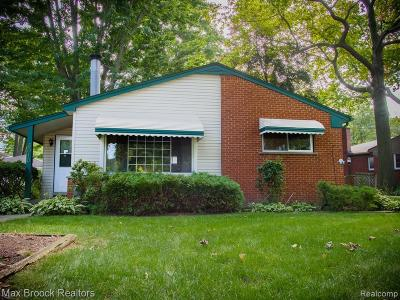 Royal Oak Single Family Home For Sale: 3010 Sylvan Drive