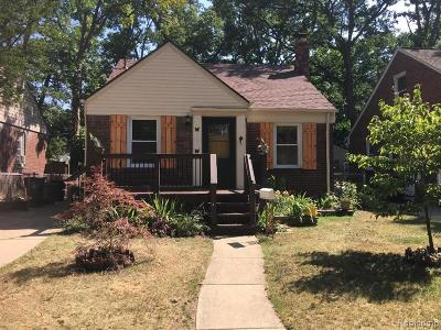 Wayne County, Oakland County Single Family Home For Sale: 1081 Marshfield Street