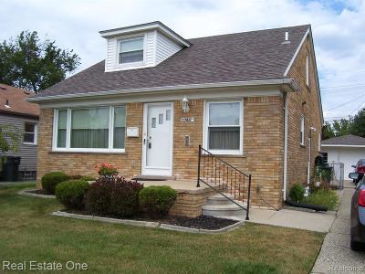 Oakland County, Macomb County, Wayne County Single Family Home For Sale: 22411 Carolina Street