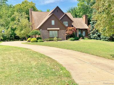 Single Family Home For Sale: 21674 Westcroft Drive