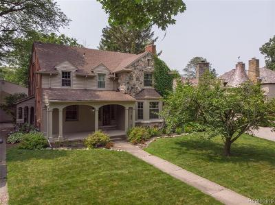 Detroit Single Family Home For Sale: 19451 Argyle Crescent
