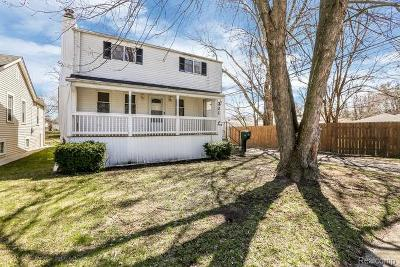 Clawson Single Family Home For Sale: 321 Renshaw Avenue