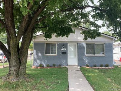 Clinton Twp, Harrison Twp, Roseville, St. Clair Shores Single Family Home For Sale: 15667 Frazho Road