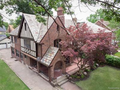 Detroit Single Family Home For Sale: 2215 W Boston Boulevard