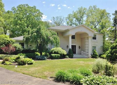 Bloomfield Twp Single Family Home For Sale: 476 Steeple Chase Court