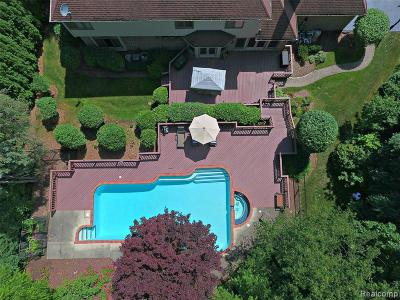 Bloomfield Twp Single Family Home For Sale: 2870 Meadowood Lane