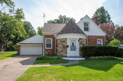 Clinton Twp, Harrison Twp, Roseville, St. Clair Shores Single Family Home For Sale: 26764 Greenleaf St