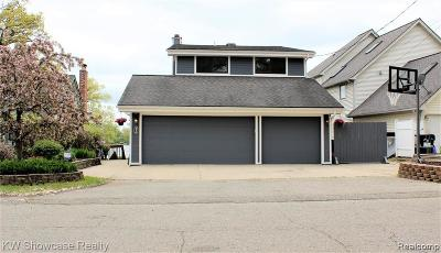 Commerce Twp Single Family Home For Sale: 4235 Bluebird Dr