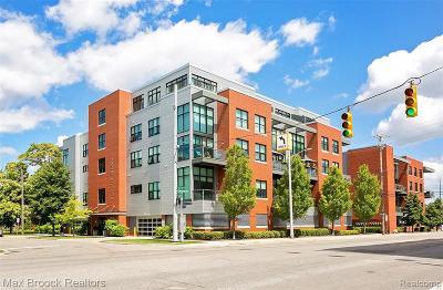 Royal Oak Condo/Townhouse For Sale: 100 N Center Street #306