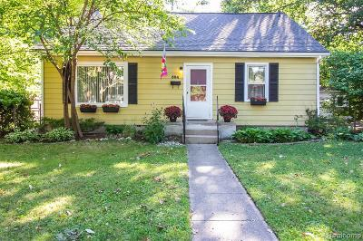 Royal Oak, Ferndale, Berkley, Clawson, Pleasant Ridge Single Family Home For Sale: 504 Kensington Avenue