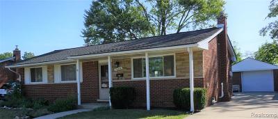 Livonia Single Family Home For Sale: 15636 Sunset Street