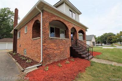 Livonia Single Family Home For Sale: 18621 Farmington Road