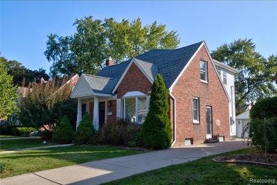 Royal Oak Single Family Home For Sale: 1616 N Pleasant Street