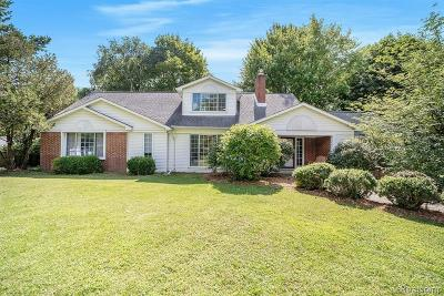 Troy Single Family Home For Sale: 6945 Clock Gate Circle
