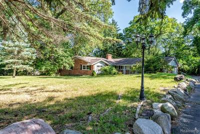 Bloomfield Twp Single Family Home For Sale: 1315 Lone Pine Road