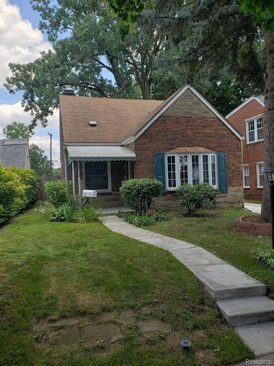 Livonia Single Family Home For Sale: 15128 Cavour Street