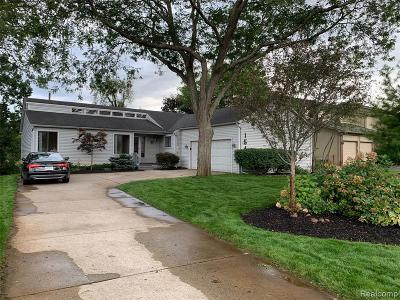 Commerce Twp Single Family Home For Sale: 1548 Commerce Pines Drive